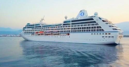 Primera escala del crucero Sirena en el Puerto de Motril.jpg
