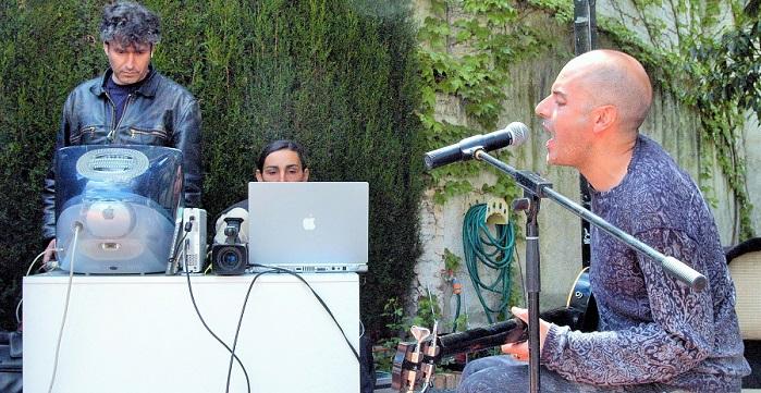 Antonio Arias presentará su nuevo proyecto musical en el Jardín Nazarí de Vélez de Benaudalla.jpg