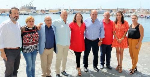 """Crespo anuncia la futura firma de un convenio para implantar el """"proyecto Ecopuertos"""" en todo el litoral andaluz"""