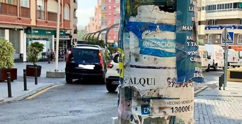 El Ayto. de Motril emite un bando para combatir la colocación de carteles y pegatinas en el mobiliario urbano.jpg