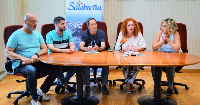 La alcaldesa de Salobreña aclara que la mancha que aparece en el mar no es exclusiva del municipio.jpg