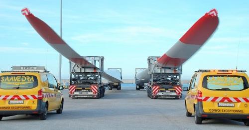 Las mayores palas de aerogeneradores se exportan por el Puerto de Motril con 174 unidades en los dos últimos meses.jpg