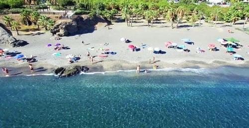 Playa Calabajío en Almuñécar.jpg