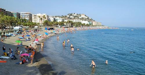 Playa de Puerta del Mar en Almuñécar.png