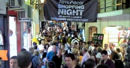 Shopping Night Almuñécar.jpg