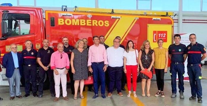 Un nuevo camión contraincendios denominado 'nodriza pesado' para el Parque de Bomberos de Almuñécar.jpg