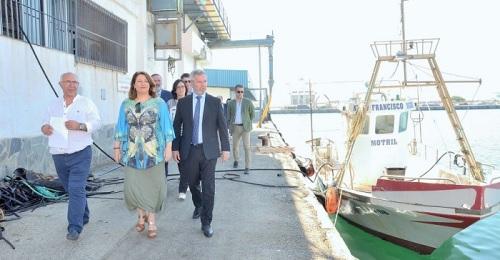 Visita de Carmen Crespo al Puerto de Motril.jpg