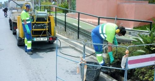Aguas y Servicios de la Costa Tropical realiza 39.606 limpiezas de imbornales al año.jpg