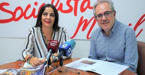 Alicia Crespo y Francisco Ruiz en rueda de prensa 100 días Gobierno García Chamorro.jpg