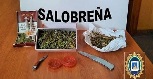 Droga y armas decomisadas por la Policia Local Salobreña.jpg