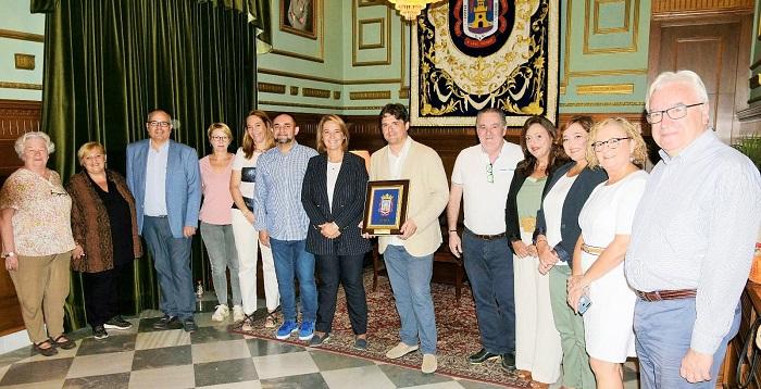 El Ayuntamiento de Motril recibe al pianista y Premio Nacional de Música Juan Carlos Garvayo.jpg