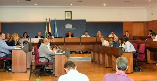 El Pleno municipal aprueba por unanimidad reivindicar la conexión ferroviaria de Motril con Granada