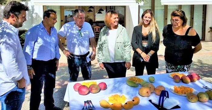 """La alcaldesa hace un llamamiento a los motrileños para que consuman productos """"autóctonos"""" por su calidad.jpg"""