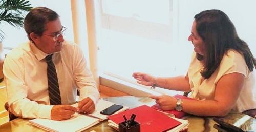 La presidenta de la Mancomunidad mantiene su primera reunión oficial con el presidente de la Diputación.jpg
