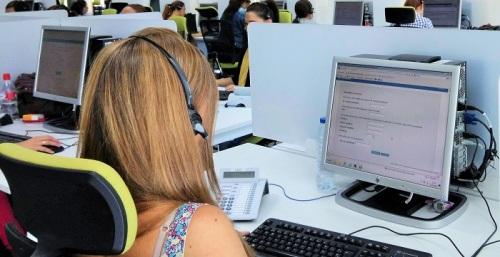 Los trabajadores del 061 y Salud Responde se integrarán en el Servicio Andaluz de Salud.jpg