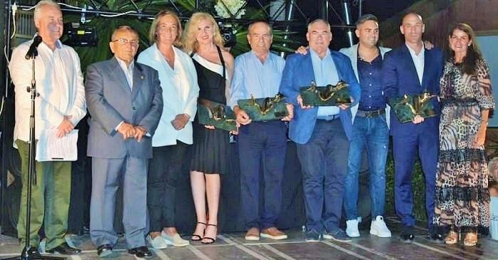 Luis Rubiales, Mar Aragón, Juan Pérez y la Empresa LUMAR, premios 'La Sirenita' 2019.jpg