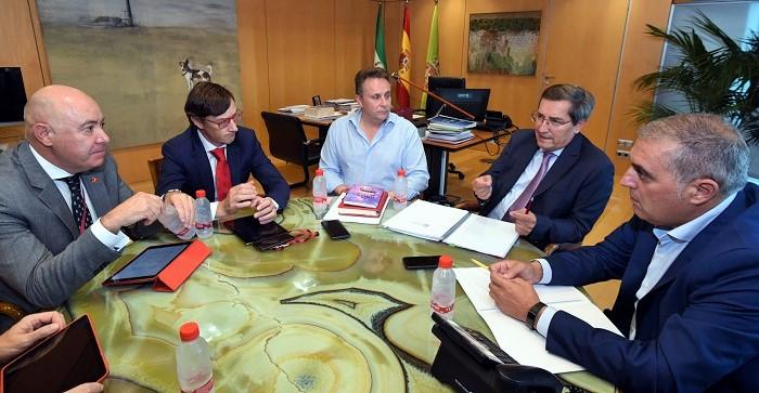 Reunión con Iberia para analizar la ocupación en los vuelos que conectan la provincia de Granada.jpg