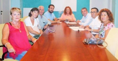 Rufino se reúne con la nueva directiva de la Asociación de Playas de Salobreña.jpg