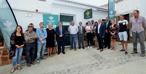 29 municipios han salido ya de la exclusión financiera con el acuerdo entre Diputación y Caja Rural.jpg