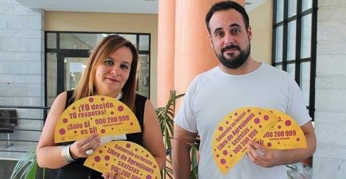 Abanicos en las fiestas de Salobreña contra la violencia de género.jpg