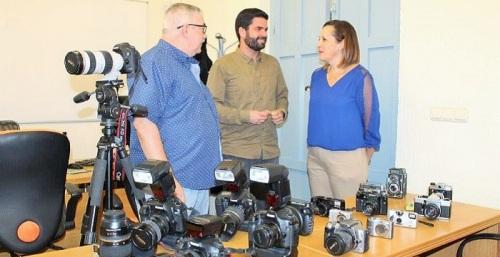 El Aula Mentor de Salobreña imparte el curso 'Iniciación a la fotografía'.jpg