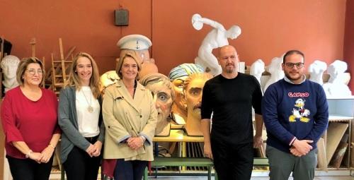 El Ayuntamiento de Motril y la Escuela de Arte firman un convenio para la restauración de los ocho cabezudos.jpg