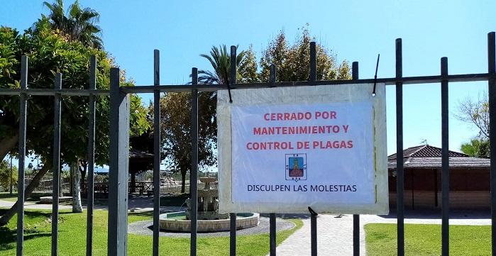 El parque de la Fuente I de Salobreña cierra sus puertas para su mantenimiento y control de plagas.jpg