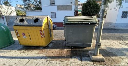 El PSOE de Motril denuncia el estado de abandono y suciedad en la plaza de las Hermanas Mercedarias.jpg