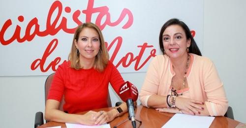 Gádor Domínguez y Alicia Crespo en rueda de prensa PSOE Motril.jpg