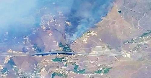 Incendio entre el barranco del Romeral y la Loma del Gato en Ítrabo.jpg