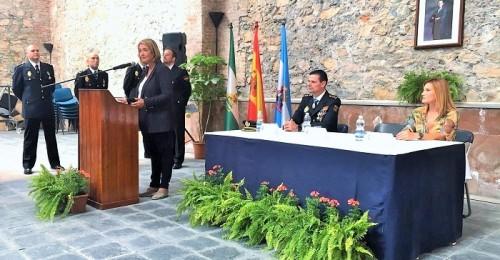 La alcaldesa felicita a la Policía Nacional    en el día de su patrón y reclama más agentes para la Comisaría de Motril.jpg