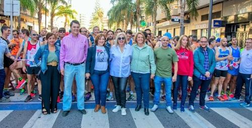 Motril convierte su Media Maratón en una multitudinaria y participativa fiesta del deporte.jpg