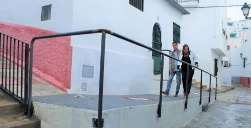 Obras de mejora de la accesibilidad en calles y edificios públicos de Salobreña.jpg