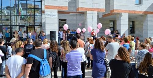 Salobreña conmemora el Día del Cáncer de Mama con la lectura de un manifiesto y una suelta de globos.jpg