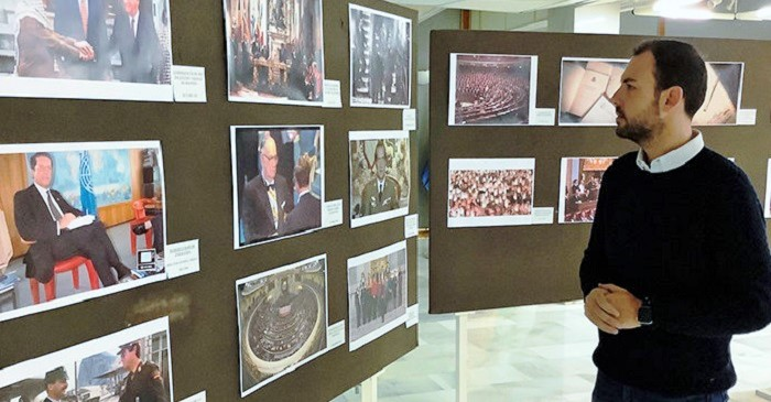 Almuñécar acoge la exposición '40 años de Democracia en España'.jpg