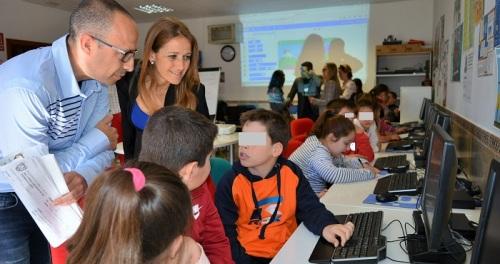 Ayudas por valor de 2,3 millones para dinamizar la red de Centros de Acceso Público a Internet de Granada.jpg