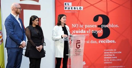 Diputación lanza la campaña 'Yo cuido mi pueblo' para evitar el vandalismo en el mobiliario urbano.jpg