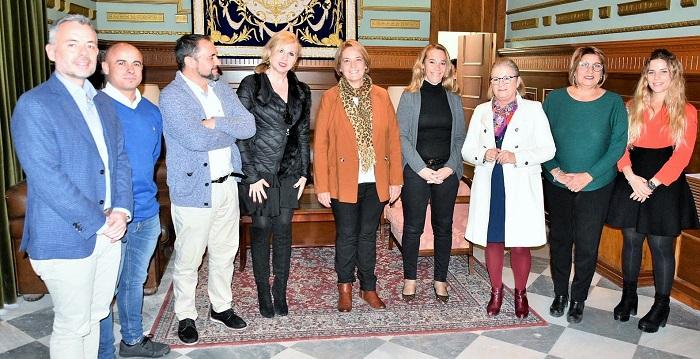 El equipo Gobierno del Ayuntamiento de Motril propone a Mar Aragón como Medalla de Oro de la Ciudad.jpg