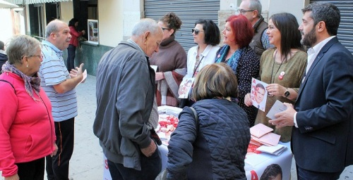 """Elvira Ramón y Francisco Sánchez-Cantalejo piden el voto """"para seguir avanzando en derechos y libertades"""".jpg"""