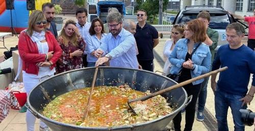 Fran Hervías, candidato de Cs al Congreso por Granada, visita Motril donde habla de familia y natalidad.jpg