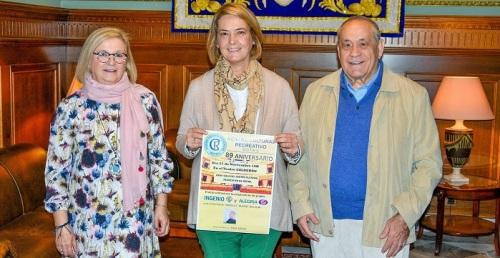 La alcaldesa agradece al Centro Cultural Recreativo su importante aportación a la historia de Motril.jpg