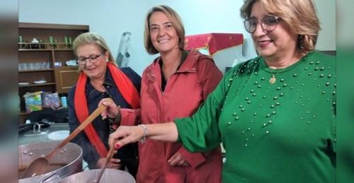 La alcaldesa participa en los actos organizados en Carchuna-Calahonda con motivo de la Fiesta de Otoño.jpg