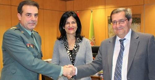 La Guardia Civil y Diputación firman un acuerdo para la realización de obras en acuartelamientos de la provincia.jpg