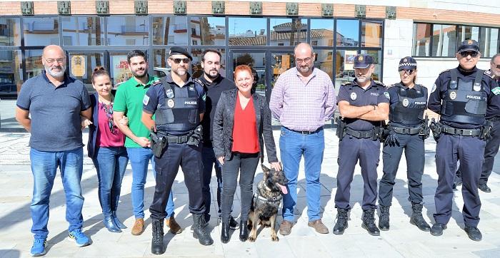 Linda, una perra pastor alemán, nueva agente de la Policía Local de Salobreña.jpg