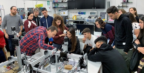 Más de 200 estudiantes de Secundaria y Bachillerato participan en la Semana de la Ciencia en los hospitales de Granada.jpg