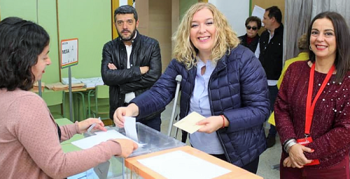 PSOE Motril Flor Almón vota elecciones generales 10 noviembre.png