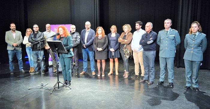 Salobreña recuerda a las 51 mujeres asesinadas este año en el Día Intl. contra la Violencia de Género.jpg