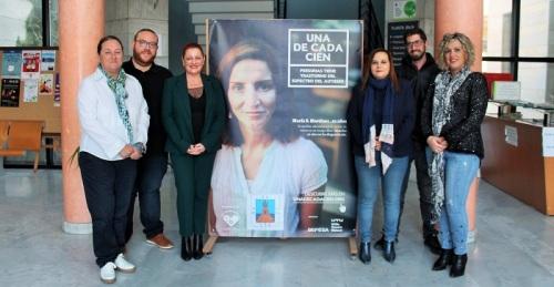 Salobreña se suma a la campaña de autismo de Andalucía 'Una de cada cien'.jpg