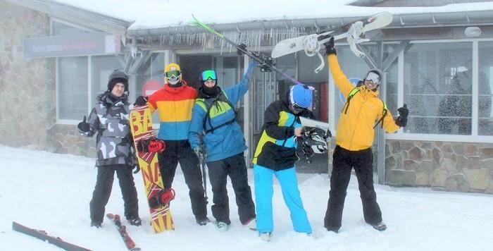 Sierra Nevada inauguró la temporada con medio millar de esquiadores.jpg