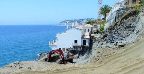 Adelante Almuñécar critica la pasividad del Ayuntamiento respecto al derrumbe en Curumbico.jpg
